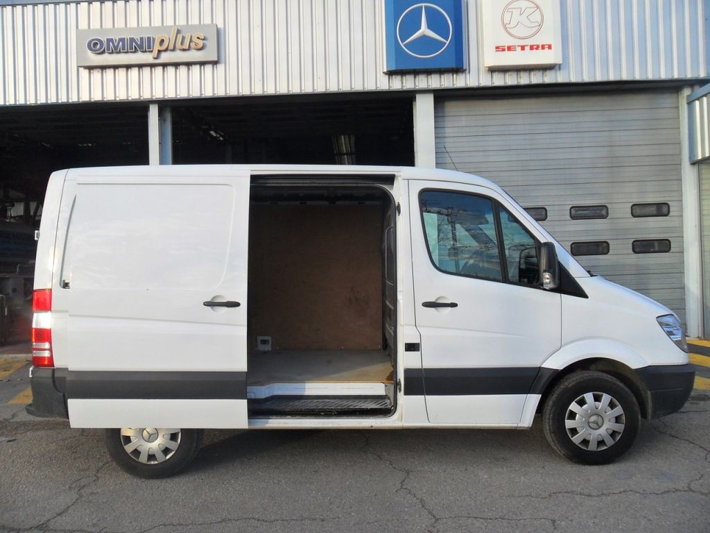 mercedes sprinter occasion mercedes sprinter utilitaire autos weblog. Black Bedroom Furniture Sets. Home Design Ideas